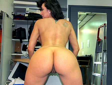 Amateur slut sucks and fucks in a backroom
