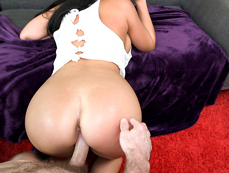 Some hot 18 year old pussy gets fucked
